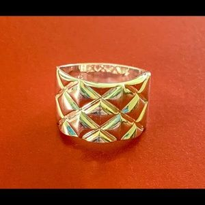 Jewelry - Sterling Silver Size 9 Pineapple/Quilted Ring
